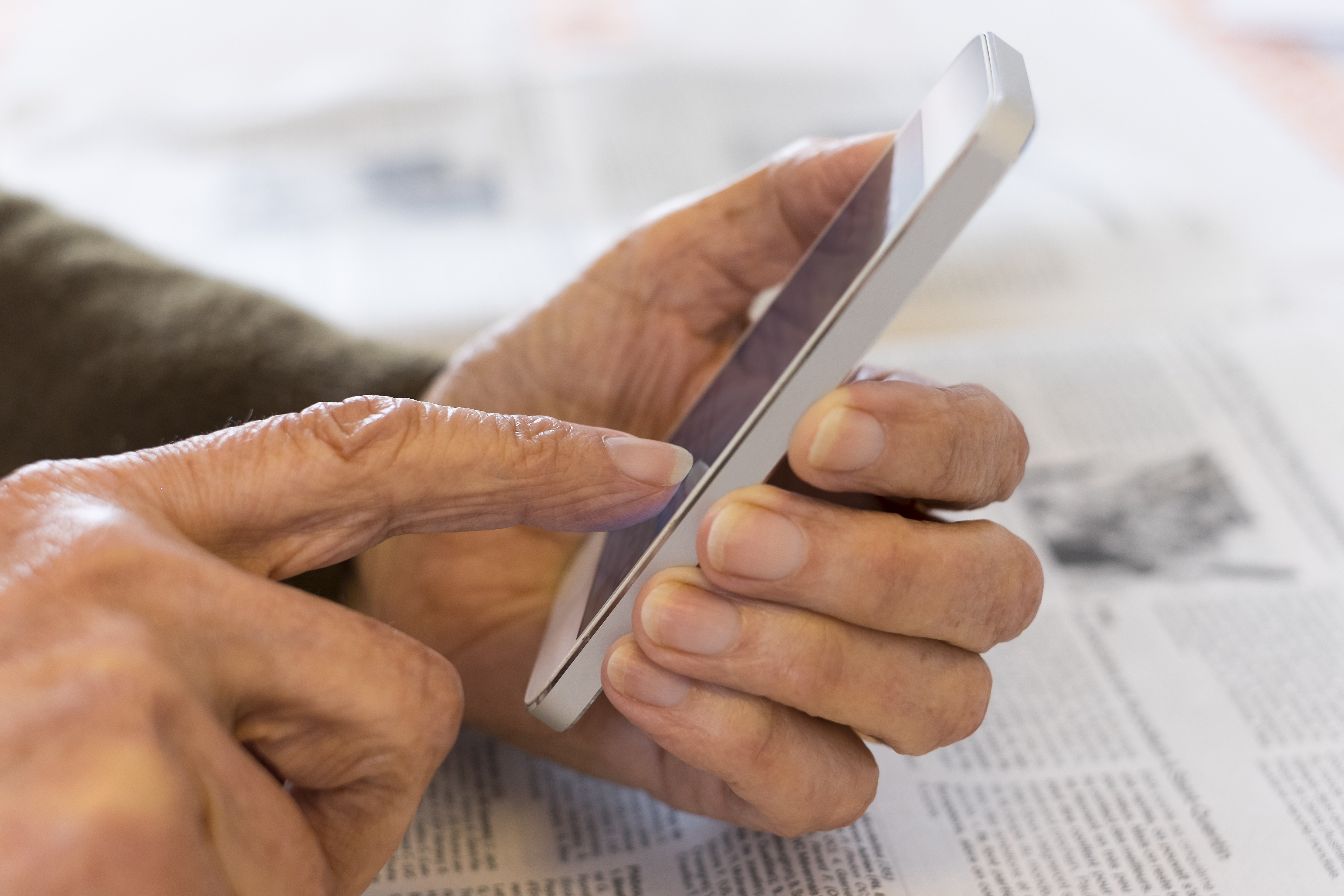Smartphone Tips for Seniors: 9 Apps That Can Make Your Life Easier